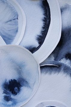 Blue and White Pottery ~ Evelina Blomquist - keramik och inspiration. Ceramic Plates, Ceramic Pottery, Ceramic Art, Slab Pottery, Thrown Pottery, Assiette Design, Blue Photography, Art Blue, Keramik Design