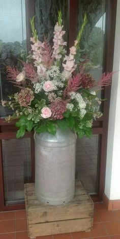 Milk churn flowers