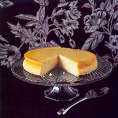 New York cheesecake, uit het kookboek 'Cheesecake' van Keda Black. Kijk voor de bereidingswijze op okokorecepten.nl.