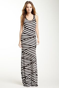 Go Couture Scoop Neck Maxi Dress