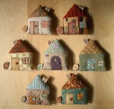 Inspiration - Houses with a tape measure sewn inside. The button hides the end of the tape measure. No pattern, but good pictures