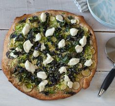 Brussels Sprout and Potato Pizza Sprout Recipes, Kale Recipes, Flatbread Pizza, Love Pizza, Brussels Sprouts, Vegetable Pizza, Food Inspiration, Meal Planning, Food To Make