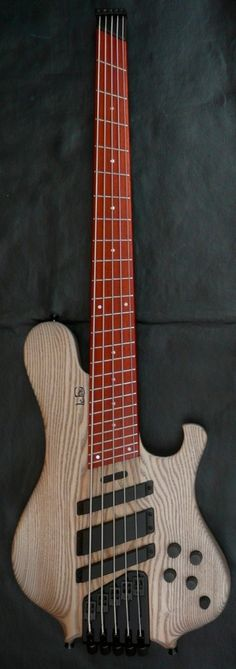 Luthiers Access Group | Le Fay Pangton Fan Fret 5 string electric bass guitar