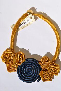 Hey, ho trovato questa fantastica inserzione di Etsy su https://www.etsy.com/it/listing/216653697/collana-elegante-rose-spirale-seta-oro