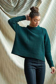 Ravelry: Weidlinger pattern by Nadya Stallings Stylish Eve Outfits, Business Casual Outfits, Petite Fashion, Curvy Fashion, Style Fashion, Brooklyn Tweed, Sweater Knitting Patterns, Knitting Yarn, Fall Fashion Trends