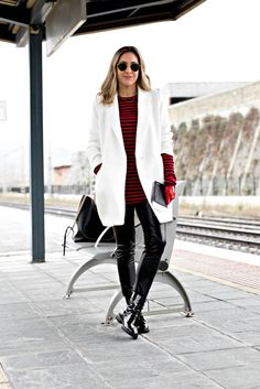 Stripe Top | Stripe Shirt | Stripe Sweater | Stripes | Fashion Blogger | Stripes look | | Spain Fashion | American in Europe | Stripes Style