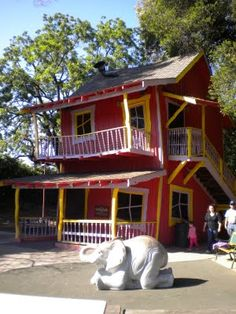 An icon.  The Crooked House at Happy Hollow. All the kid's in our family enjoyed playing in this.