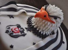 Takım sevgisini, doğum gününde de bırakmayan Beşiktaşlılar için, Beşiktaşlı pasta modelleri arasından seçim yapın ve onları mutluluktan havalara uçurun.