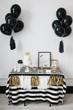 Love the black and white striped tablecloth. Don't worry Miranda. I didn't pin it for the balloons.