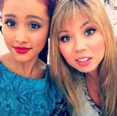 she looks sooo pretty with red lipstick Victorious Cat, Jenette Mccurdy, Ariana Grande Facts, Dangerous Woman Tour, Sam And Cat, Role Models, Guy Models, New Teen, Jessie J