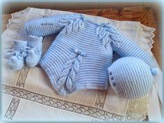 Buenas tardes-noches! Ya han pasado las Navidades y hemos vuelto de nuevo a la normalidad. Hacía mucho tiempo que no entraba en el blog y... Knitting Designs, Knitting Patterns, Baby Doll Clothes, Baby Knitting, Knit Crochet, Diy Crafts, Pullover, Baby Dresses, Crocheting