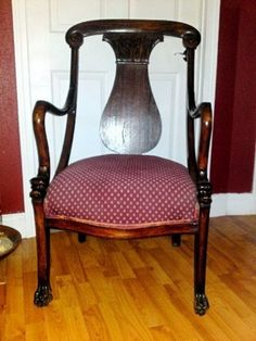 Mid-1800s chair comes with a dash of Louisiana mystery  Published: Saturday, June 19, 2010