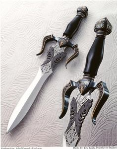 ...:::Julie Warenski Engraving:::... Some of the most amazing daggers I have ever seen.