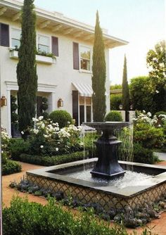 Stylish 36 Rustic Front Yard Courtyard Landscaping Ideas That Will Inspire You Tuscan Garden, Italian Garden, Mediterranean Garden Design, Courtyard Landscaping, Front Yard Landscaping, Landscaping Ideas, Fond Design, Garden Fountains, Large Outdoor Fountains