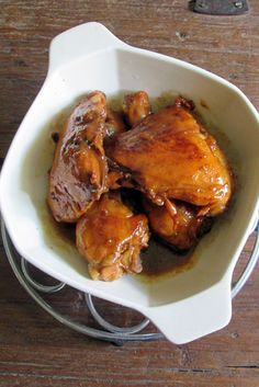 Week of Menus: Baked Ginger Soy Glazed Chicken: On being friends with famous people Chicken Pork Recipe, Pollo Recipe, Pollo Chicken, Baked Chicken Wings, Glazed Chicken, Chicken Recipes, Soy Chicken, Ginger Chicken, Chicken Bites