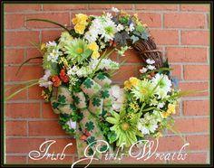 Shamrocks and Daisies St.Patrick's Day Wreath, Spring clover, green white Irish