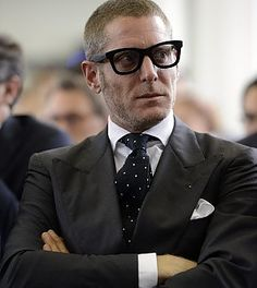 Gianni agnelli 39 s style photos design cars and icons for Lapo elkann glasses