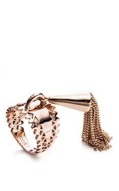 Shop Chain Tassel Ring by Eddie Borgo for Preorder on Moda Operandi