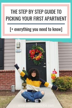 Getting ready to move out to your first apartment? Use this guide to pick your first apartment on a budget! With these 8 tips, you'll be able to find an amazing apartment that fulfills all of y Simple Living Room Decor, Living Room Decor Inspiration, Living Room On A Budget, First Apartment Checklist, First Apartment Essentials, Apartment Guide, Apartment Ideas, Apartment Hunting, Apartment Living