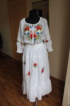 Платья ручной работы. Вышитое летнее платье из белого батиста. Ручная  вышивка от Ольги Стрельцовой d93d0496a3cc9