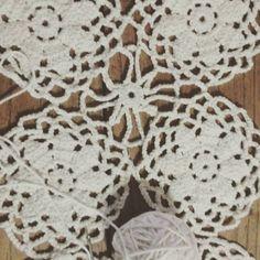 En proceso.... Bello suéter #crochet #crochetmandala #crochetmania #hechoamano #handmade #manipuradeco by manipuradeco