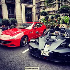 Ferrari FF and a KTM X-Bow in London! #incredible