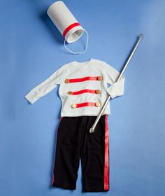 Handicraftiness an easy diy drummer boy costume halloween dress up your kids in fun diy halloween costumes made from everyday household items solutioingenieria Images