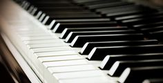 Top 10 Greatest Piano Concerti FLAMEHORSE APRIL 26, 2012   Well written, informative, fun