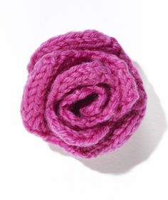 Great rose knitting pattern by Lion Brand Yarns. Find the free  knitting pattern here: link