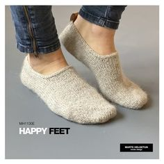 Knit Slippers Free Pattern, Knitted Slippers, Crochet Stitches, Knit Crochet, Foot Socks, Knitting Socks, Knitting Patterns, Happy, 2020 Design