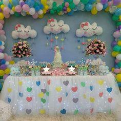 Decoração Chuva de Amor: Pisca-pisca e corações Unicorn Themed Birthday, Baby Girl Birthday, Rainbow Birthday, Balloon Decorations, Birthday Party Decorations, Baby Shower Decorations, Cloud Party, Baby Shower Parties, First Birthdays