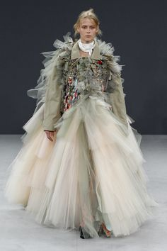 Catwalk photos and all the looks from Viktor & Rolf Autumn/Winter 2016-17 Couture Paris Fashion Week