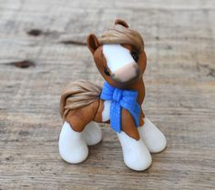 Genuine and original polymer clay sculpture designed and handmade with love by Elisabete Santos. Send me a message in case you need any information about how to make your order. Sculpey Clay, Cute Polymer Clay, Cute Clay, Polymer Clay Crafts, Polymer Clay Sculptures, Polymer Clay Animals, Polymer Clay Creations, Sculpture Clay, Horse Pattern