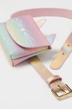 Riñonera con glitter - Rosa glitter/Gato - NIÑOS   H&M ES Moustaches, Rose Scintillante, Glitter Rosa, Chat Rose, Rose Mauve, H&m Gifts, Pink Cat, Metal Buckles, Fashion Company