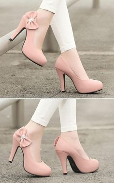 Bow Accent Pumps | Dress it up or dress it down!