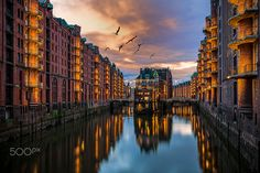 Speicherstadt Hamburg by Günter Tietgen