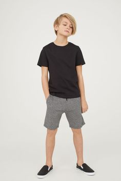 Boy Meets World Fashion Tween Boy Outfits, Boys Summer Outfits, Summer Boy, Toddler Outfits, Teen Boy Fashion, Little Boy Fashion, 90s Fashion, Cute Teenage Boys, Cute Boys