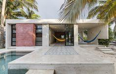 award-winning mexican architect, david cervera, has designed the 'el palmar' summer house located in the port of chuburna yucatan, mexico Moderne Pools, Mexico House, Atrium, Interior Architecture, Interior Design, Beautiful Homes, Villa, Patio, Color
