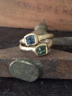 Montana sapphires in yellow gold