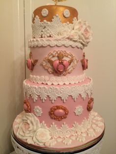 Cake by Cakes by Ana using our Betty, Chris and Gloria lace molds.