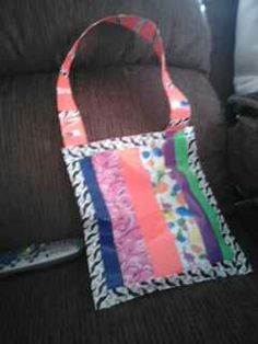 Take any colors of duck tape (at least 7) and a gallon plastic bag. Take one color ane make it long. That will be your strap. Put the strap on first, then put 6 of the 7 colors on the bag vertically,  save one color for the edges. Viola! You have a duck tape purse!