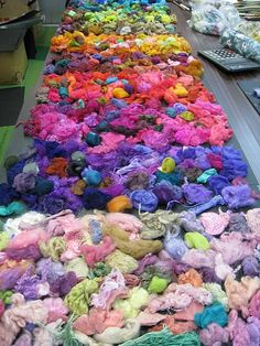Eisaku Noro - Machine knitting yarns and industrial Yarns for the fashion industry and knitwear designers