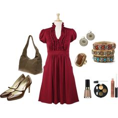 such a cute dress...and mary janes, of course. ;)