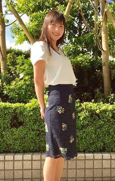阿部華也子レースの花柄スカートが可愛い