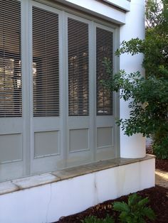 Shutters, architecture, architectural elements shutters Screen porch, Havens South Designs :: loves a shuttered screen porch Shutter Wall, Shutter Doors, Outdoor Rooms, Outdoor Living, Outdoor Decor, Exterior Design, Interior And Exterior, Porch Privacy, Bahama Shutters