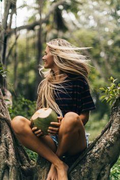 HBGOODIE Oahu, Hawaii travel guide, photography tips and . Summer Photography, Portrait Photography, Travel Photography, Photography Ideas, Happy Photography, Fotografie Hacks, Poses Photo, Photo Tips, Photo Ideas