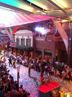 Parade on the Oasis of the Seas