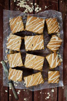 Breakfast Oatmeal Cake | @KiranTarun --> http://kirantarun.com/food #cake #oatmeal #recipes #baking #summer