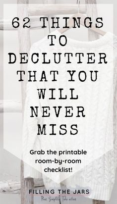 Im so glad I found this printable decluttering checklist! If you don't know what to declutter first, you need this list! Breaking down decluttering room-by-room is genius -- and I cant believe it, but I really dont miss all the junk that used to clutte Spring Cleaning Checklist, Deep Cleaning Tips, House Cleaning Tips, Cleaning Hacks, Diy Hacks, Cleaning Closet, Cleaning Products, Organisation Hacks, Home Organization