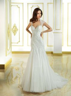 babf544025bc Weddings.nl - Cosmobella Sell Wedding Dress